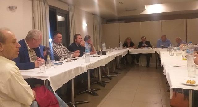 Κομματική σύσκεψη στο ΚΙΝ.ΑΛ. με «ηχηρές απουσίες»