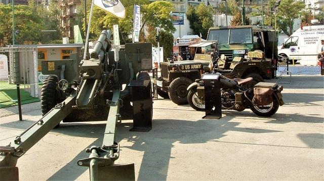 Δίνουν «πνοή ζωής» σε παλιά στρατιωτικά οχήματα [εικόνες]