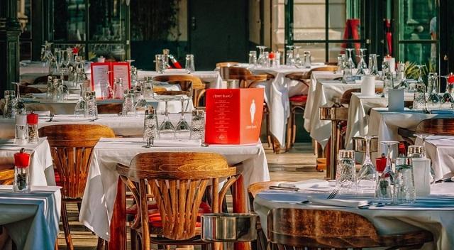 Πρόστιμο 54.000 ευρώ σε εστιατόριο που δεν έδινε καταλόγους με τιμές