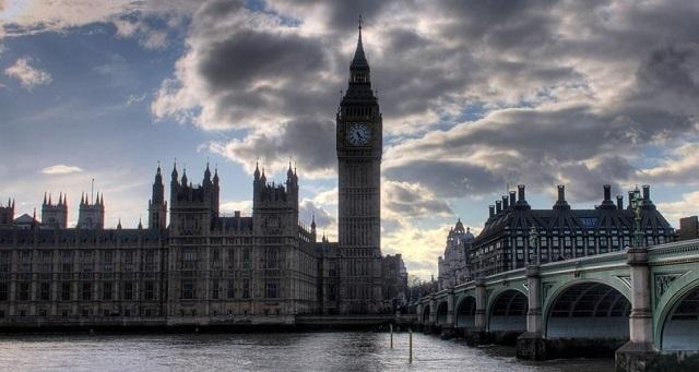 Μεγάλη «φυγή» Ελλήνων από το 2010 στο Ηνωμένο Βασίλειο - Τι αναφέρει έρευνα