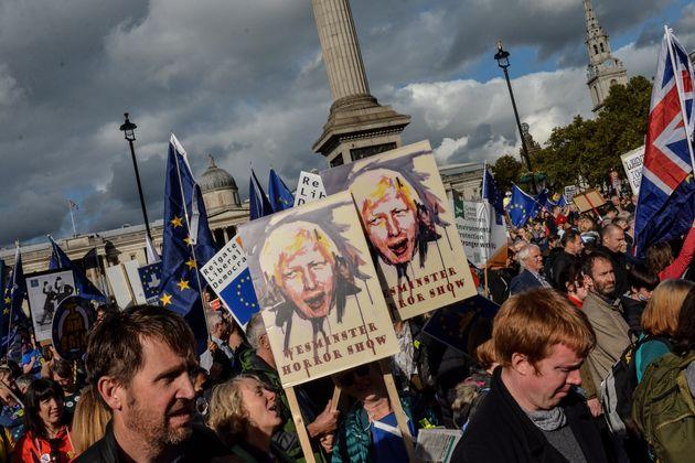 Ο Τζόνσον έστειλε στις Βρυξέλλες ανυπόγραφο το αίτημα για παράταση του Brexit