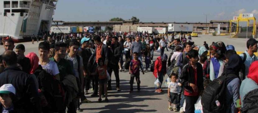 Στην ενδοχώρα από τη Σάμο 700 πρόσφυγες και μετανάστες