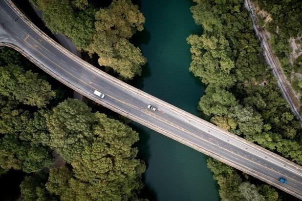 Κλειστή για οκτώ μήνες η γέφυρα του Πηνειού στα Τέμπη