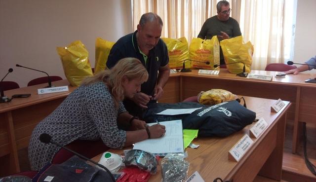 Είδη ατομικής προστασίας στις σχολικές καθαρίστριες του Δήμου Ρ. Φεραίου