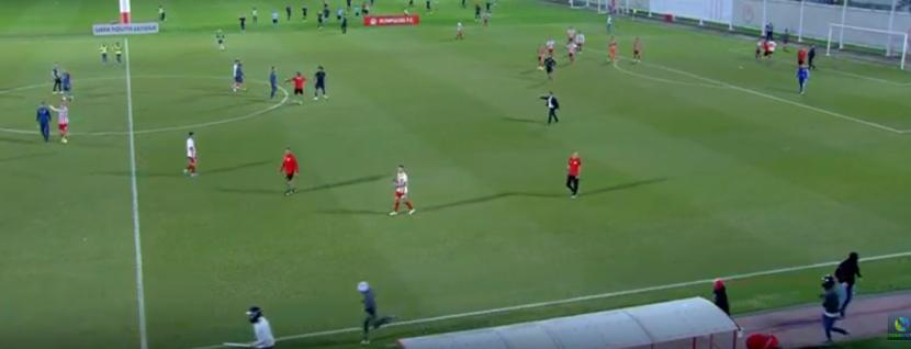 Η στιγμή της εισβολής οπαδών του Ολυμπιακού στο ματς με την Μπάγερν
