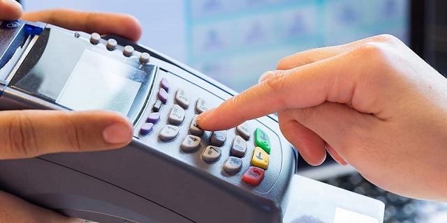 Το σχέδιο του ΥΠ.ΟΙΚ. για τις υποχρεωτικές αγορές με κάρτες