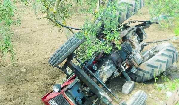 Στο Νοσοκομείο Βόλου αγρότης που καταπλακώθηκε από τρακτέρ