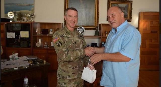 Στο Δημαρχείο Βόλου ο επικεφαλής της μονάδας 3-17 CAV του αμερικανικού στρατού