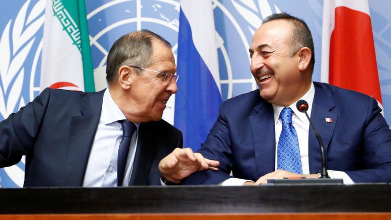 Αρχίζουν οι κοινές περιπολίες Ρωσίας και Τουρκίας στη Συρία