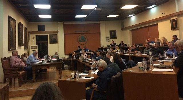 Καταγγελίες και υψηλοί τόνοι στο Δημοτικό Συμβούλιο Βόλου
