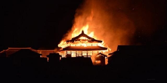 Ιαπωνία: Στις φλόγες το ιστορικό κάστρο Σούρι, μνημείο της Unesco