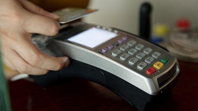 Ηλεκτρονικές συναλλαγές: Ποιές δαπάνες χτίζουν το νέο όριο