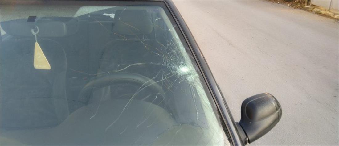 """Κρήτη:""""Αδέσποτη"""" σφαίρα κατέληξε σε αυτοκίνητο"""