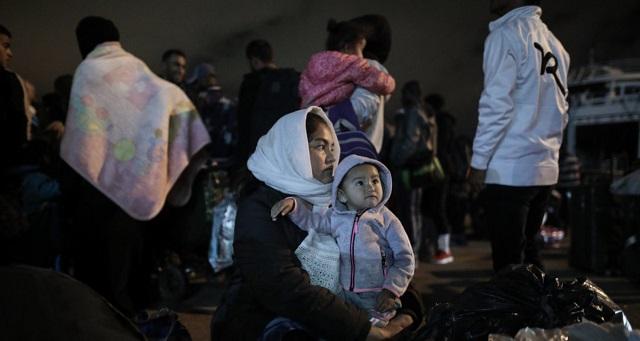 «Κύματα» προσφύγων στα παράλια της Λάρισας