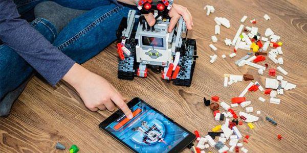 Προωθούν την εκπαιδευτική ρομποτική