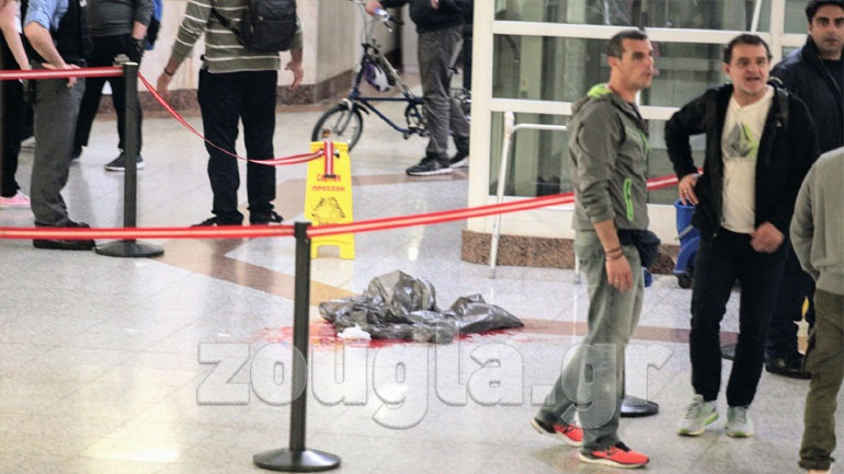 Πέθανε ο άνδρας που μαχαίρωσαν στο Μοναστηράκι