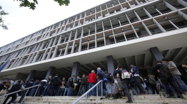Άγριο ξύλο στο Εφετείο Θεσσαλονίκης - Σε «ρινγκ» μετατράπηκε η αίθουσα