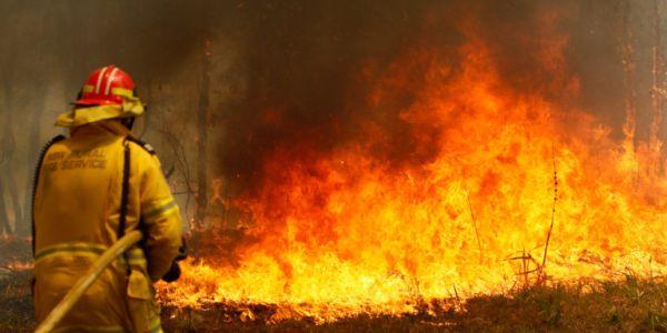 Μαίνονται οι πυρκαγιές στην Αυστραλία – 2 νεκροί, 7 αγνοούμενοι