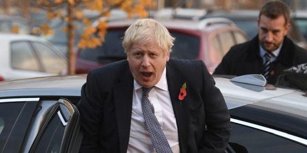 Βρετανία: Ο Τζόνσον «προελαύνει» στις δημοσκοπήσεις