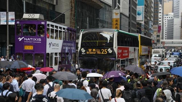 Χονγκ Κονγκ: Τα ΜΜΜ στόχος των διαδηλωτών - Ανησυχεί η Δύση για τα επεισόδια