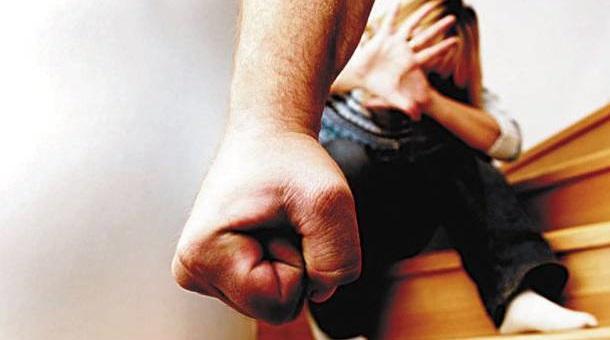 35χρονος στον Βόλο έριχνε γροθιές στη 13χρονη κόρη του