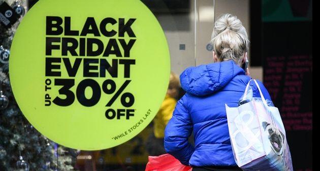 Σε αναμονή της Black Friday η αγορά του Βόλου