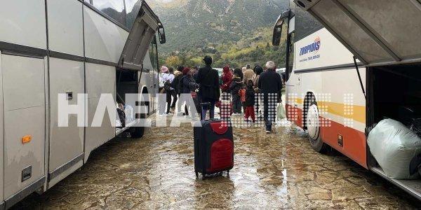 Φεύγουν οι πρόσφυγες από την Ιερά Μονή Πορετσού στην Ηλεία