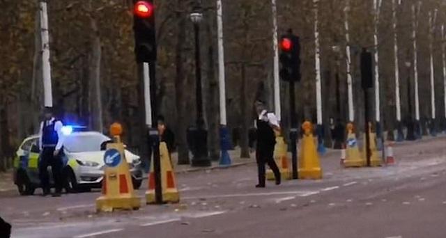Συναγερμός στη Βρετανική αστυνομία για ξεχασμένο αυτοκίνητο μπροστά στο Μπάκιγχαμ