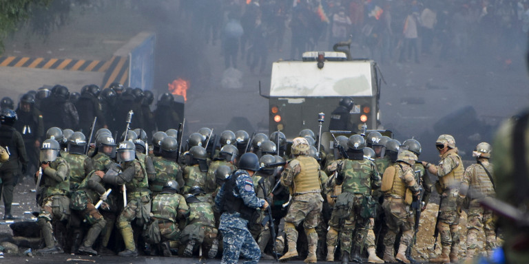 Βολιβία: Πέντε αγρότες σκοτώθηκαν σε συγκρούσεις με δυνάμεις της αστυνομίας και του στρατού