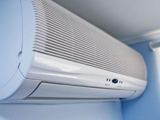 Βάζετε το κλιματιστικό στο ζεστό; - Δείτε από τι κινδυνεύετε