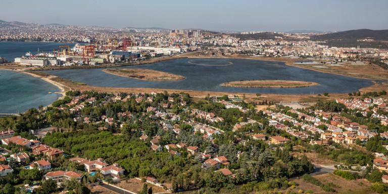 Κωνσταντινούπολη: Μυστηριώδης ευεργέτης ξεπληρώνει χρέη φτωχών -«Να με λέτε Ρομπέν των Δασών»