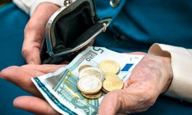 Συντάξεις – φιλοδώρημα για τη γενιά των 300 ευρώ