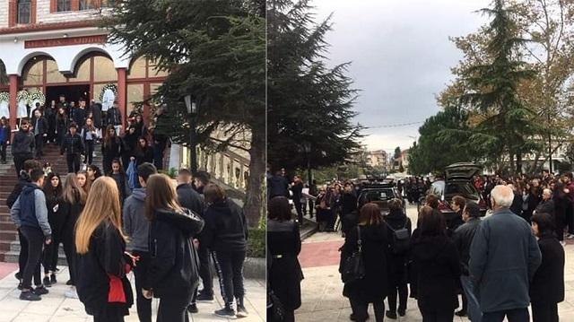 Κατερίνη:«Ράγισαν και οι πέτρες» στην κηδεία της Μαρίας-Ιωάννας και της μητέρας της