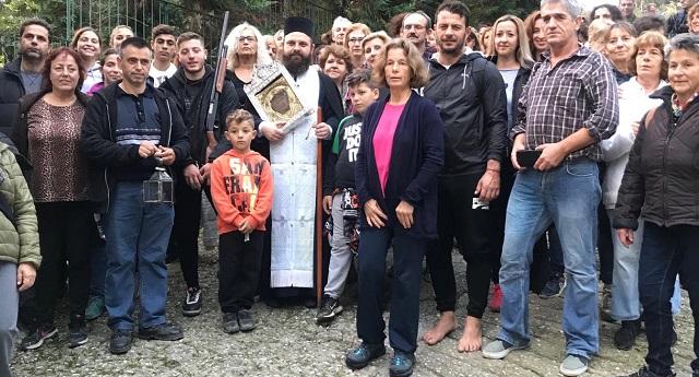 Ο Ντάνος εκπλήρωσε το τάμα των ξυπόλητων προς την Παναγία Εικονίστρια