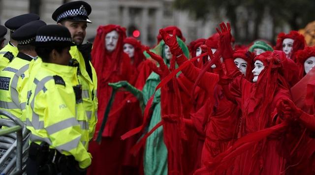 Κλιματική αλλαγή: Απεργίες πείνας σε 27 χώρες από ακτιβιστική οργάνωση