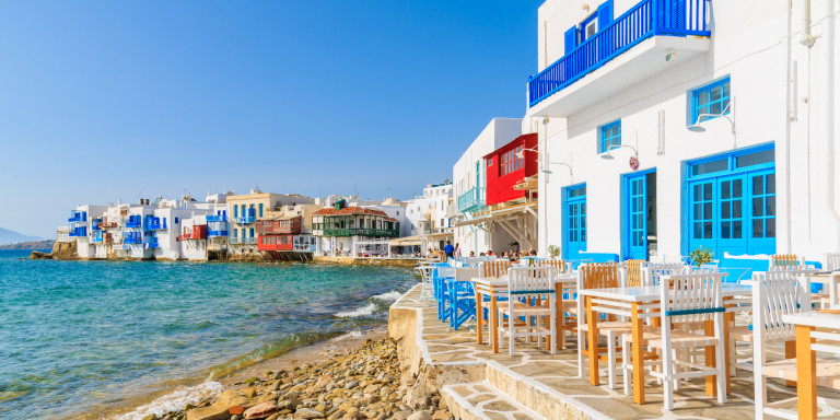 Ποιοι ξένοι επενδύουν σε ακίνητα στην Ελλάδα, ποιες περιοχές προτιμούν
