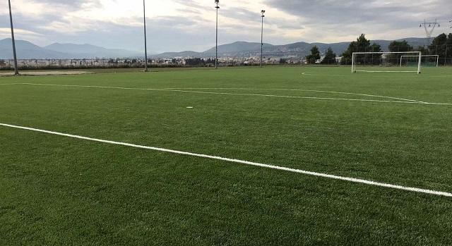 Νέος συνθετικός χλοοτάπητας στο γήπεδο του Σαρακηνού