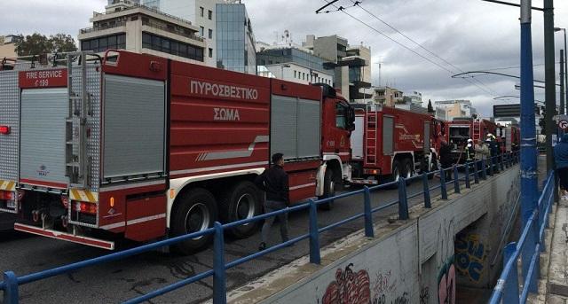 Φωτιά σε ξενοδοχείο στη Συγγρού: Απεγκλωβίστηκαν πέντε άτομα – Μια τραυματίας