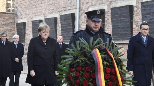 H Μέρκελ στο στρατόπεδο Άουσβιτς για πρώτη φορά [εικόνες]