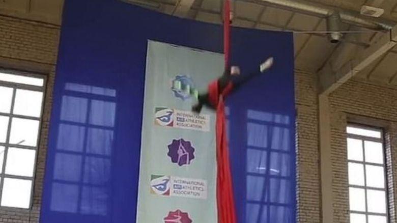 Ρωσίδα ακροβάτης πέφτει από ύψος 7,5μ. - Αβέβαιο εάν θα ξαναπερπατήσει