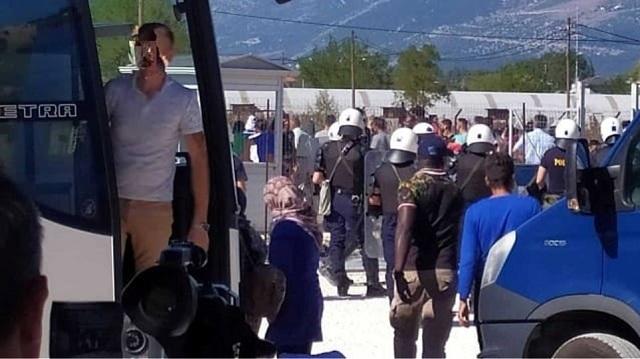 Ιωάννινα: Μαχαιρώματα και τέσσερις τραυματίες στο κέντρο φιλοξενίας του Κατσικά