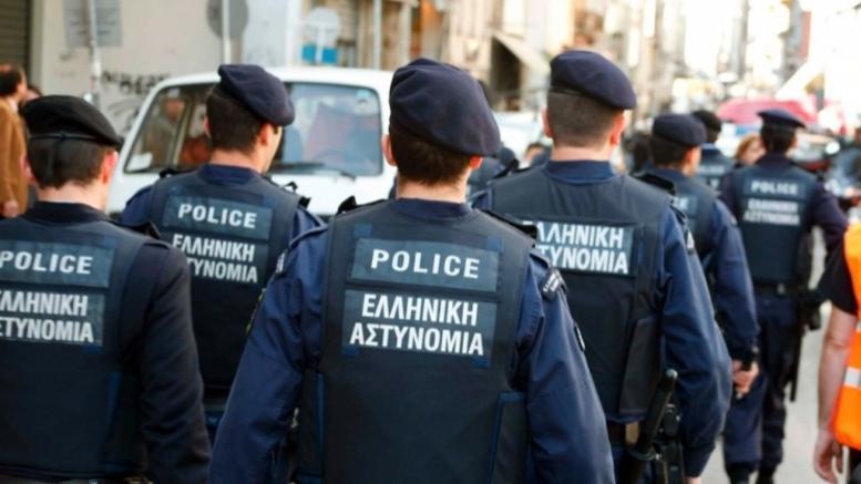 Παρίστανε τον αστυνομικό με γιλέκο «Police» γεμάτο ηρωίνη