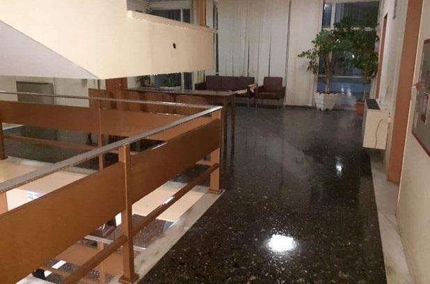 Πλημμύρισε το Δικαστικό Μέγαρο Λάρισας [εικόνες]