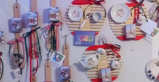 Χριστουγεννιάτικες δημιουργίες των παιδιών του Ορφανοτροφείου στο Χωριό του Αη Βασίλη