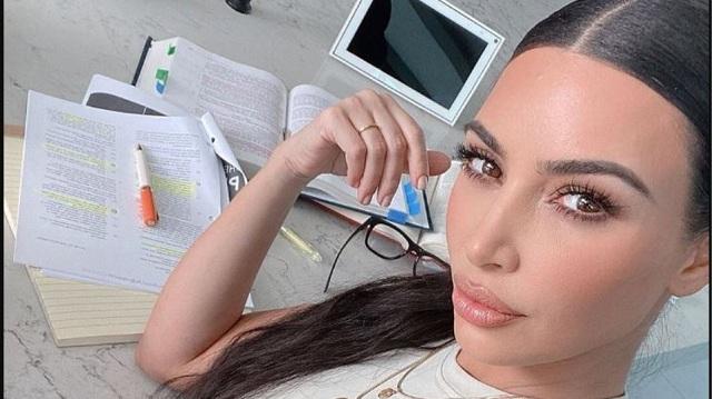 Kim Kardashian: Mηνύει γνωστό γιατρό που χρησιμοποιεί το όνομά της χωρίς τη συγκατάθεσή της