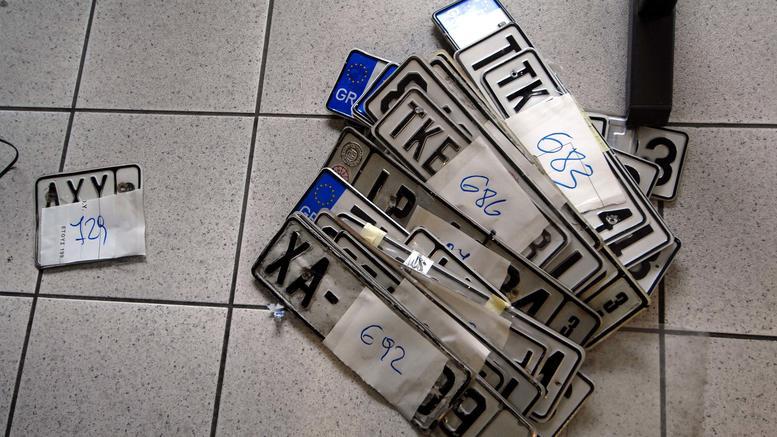 Παράταση για τέλη κυκλοφορίας και κατάθεση πινακίδων