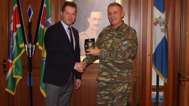 Εθιμοτυπική επίσκεψη του προέδρου του ΣΘΕΒ στην 1η Στρατιά