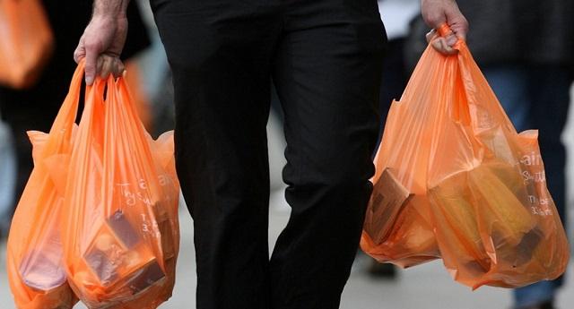Ερχεται νέο χαράτσι στις πλαστικές σακούλες