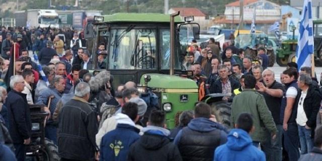 Αγροτικές κινητοποιήσεις και μπλόκα στη Θεσσαλία