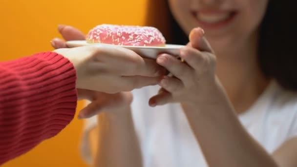 Αυστραλία: Παίκτρια πέθανε την ώρα διαγωνισμού κατανάλωσης γλυκού